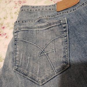 24W jeans